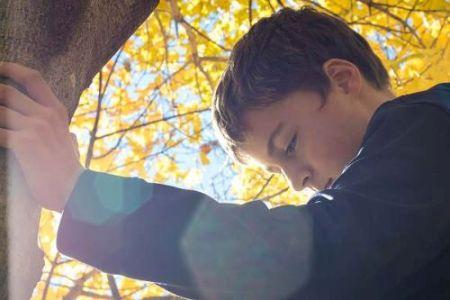 Gambar: Anak merenung