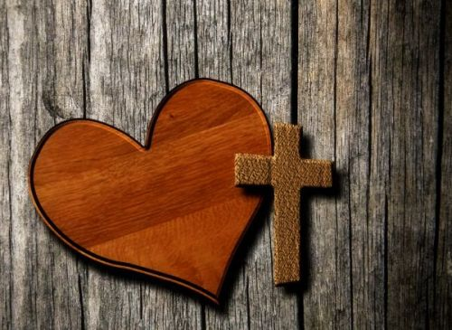 Gambar: Salib dan hati
