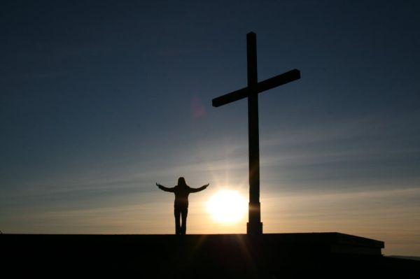 Gambar: Menyembah Tuhan
