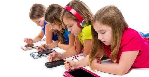 Gambar: Anak kecanduan ponsel