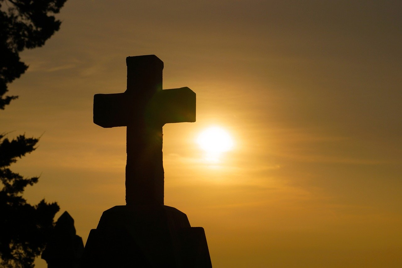 Gambar: Cross God