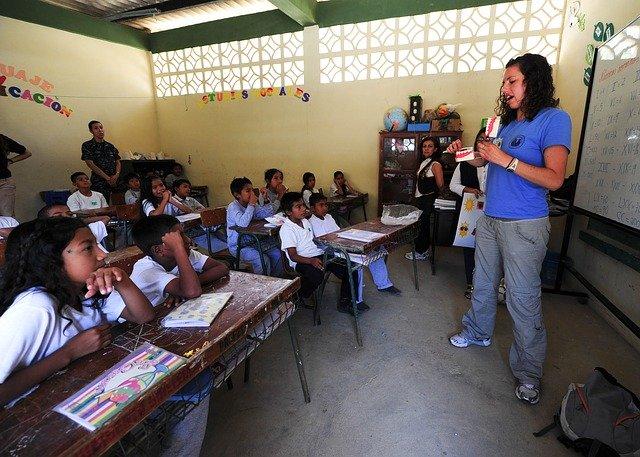 Gambar: School Teaching