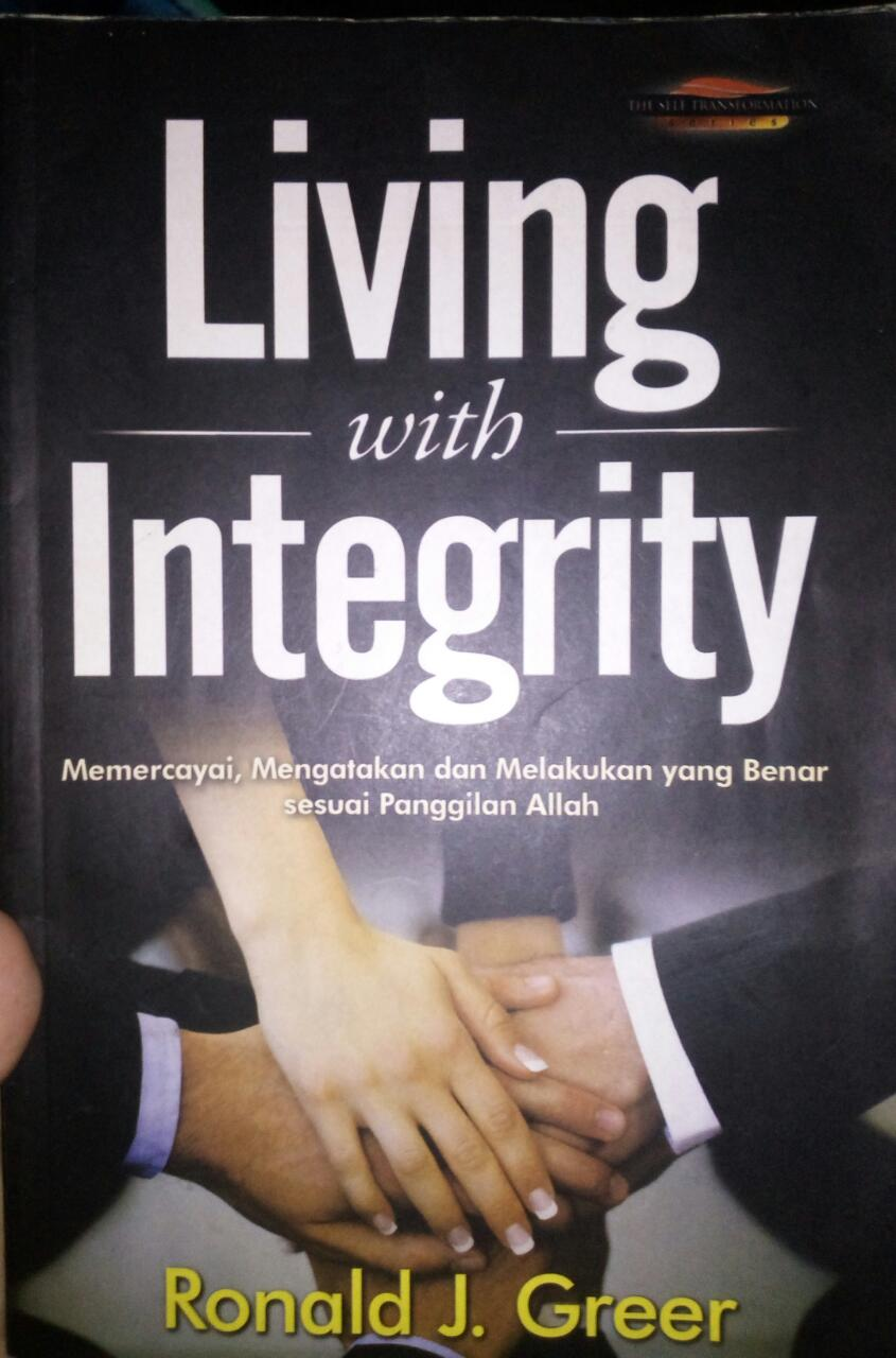 Gambar: Buku Living with Integrity