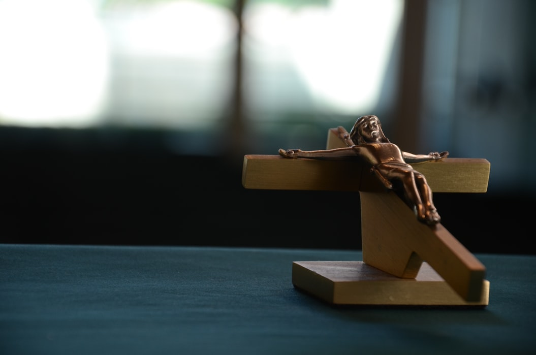Gambar: salib Kristus