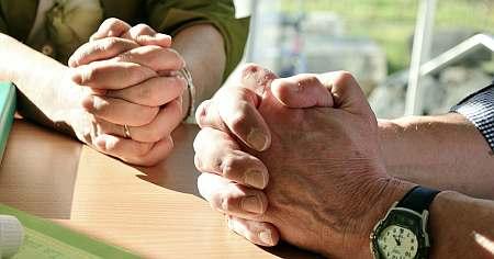 Gambar: Berdoa Bersama
