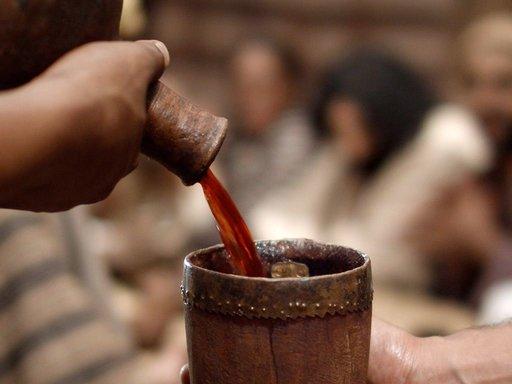 Air Berubah Jadi Anggur
