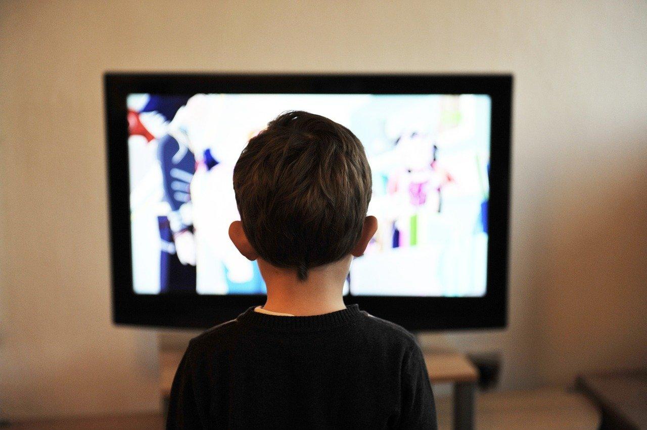 Anak dan televisi