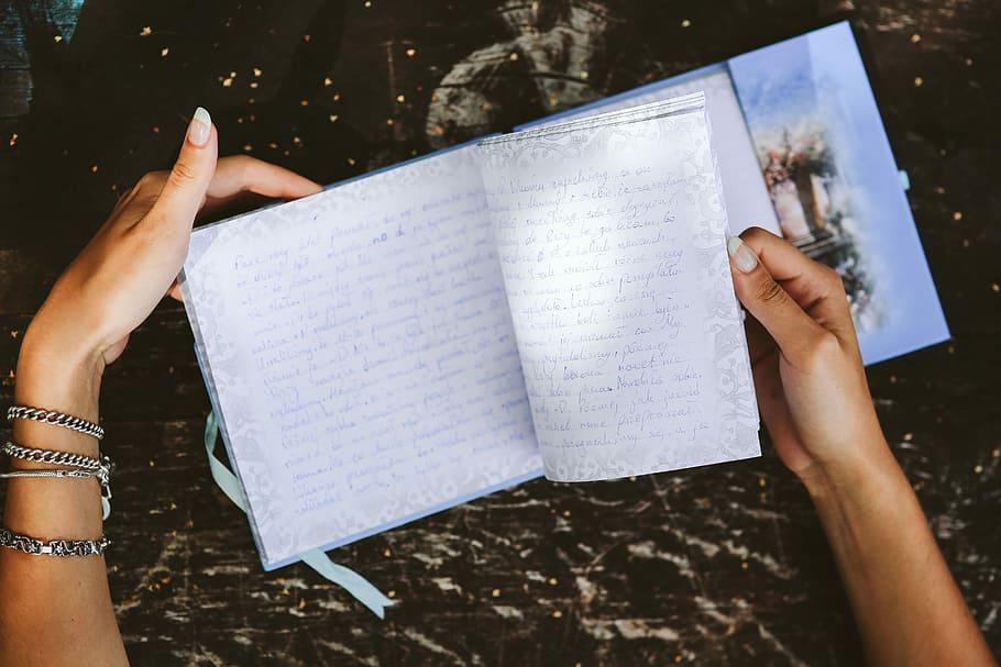 Menulis memoar
