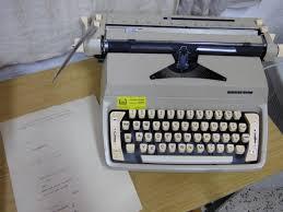 Menyunting naskah