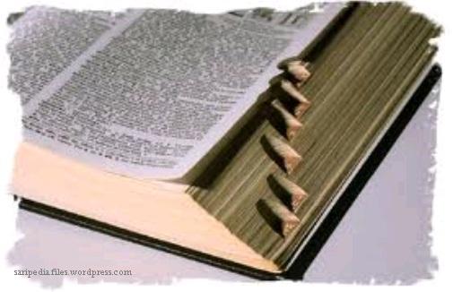 Gambar: Kamus dan Tesaurus