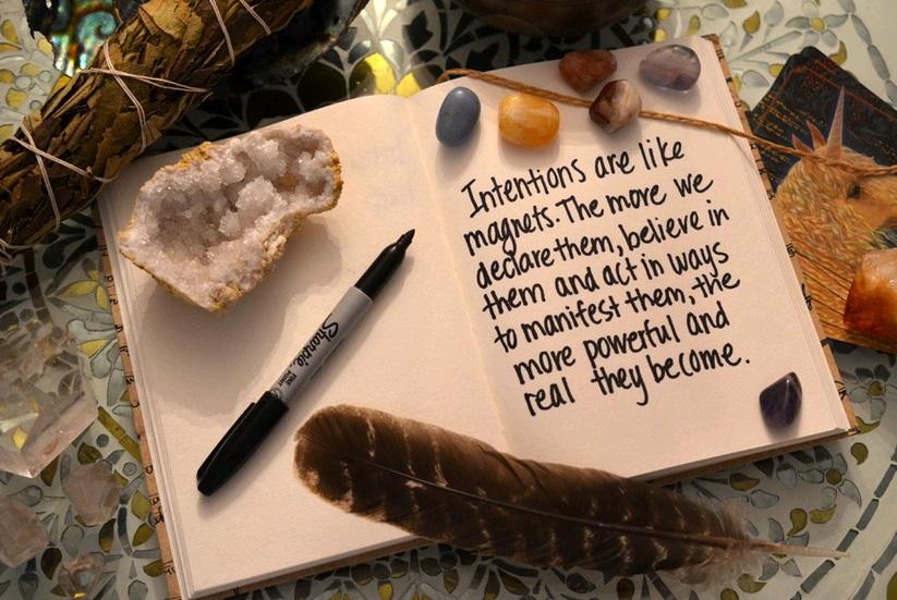 Gambar: Menulis jurnal