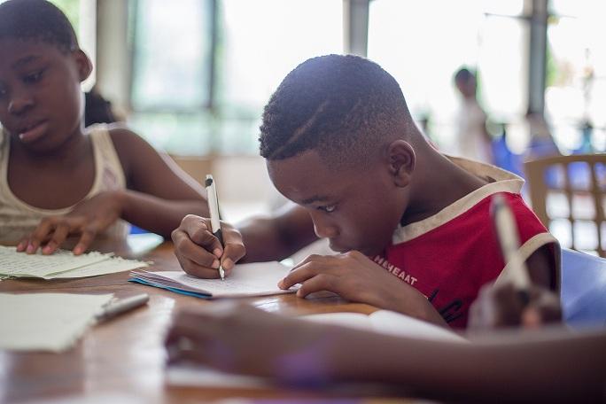 Seorang Anak Menulis