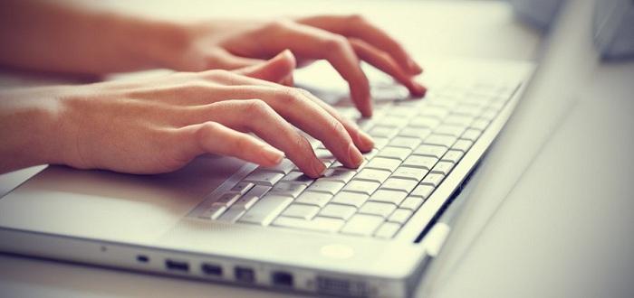 Empat Aturan Menulis Judul Blog untuk Situs Gereja