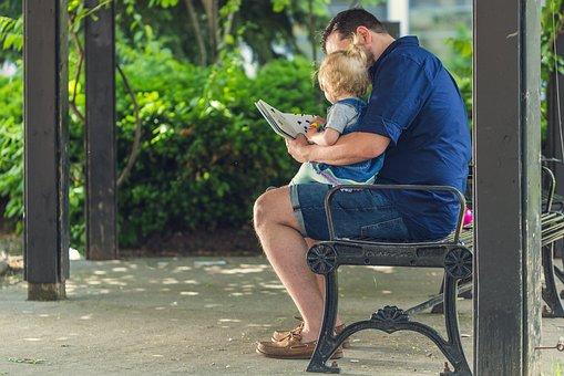 Gambar: Ayah Mengajar