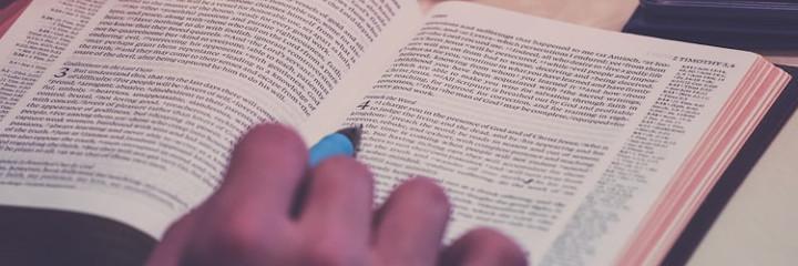 Gambar: Studi Alkitab Tematik