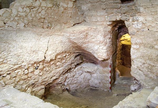 Pintu rumah abad ke-1 yang dipercaya sebagai rumah Yesus