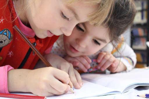 Mendidik Anak Perempuan