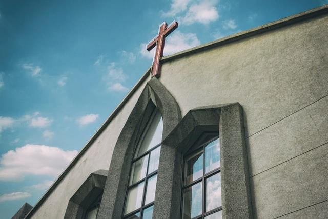 Ke Mana Kehadiran di Gereja pada Masa Depan Mengarah? 10 Pertanyaan. 10 Dugaan.